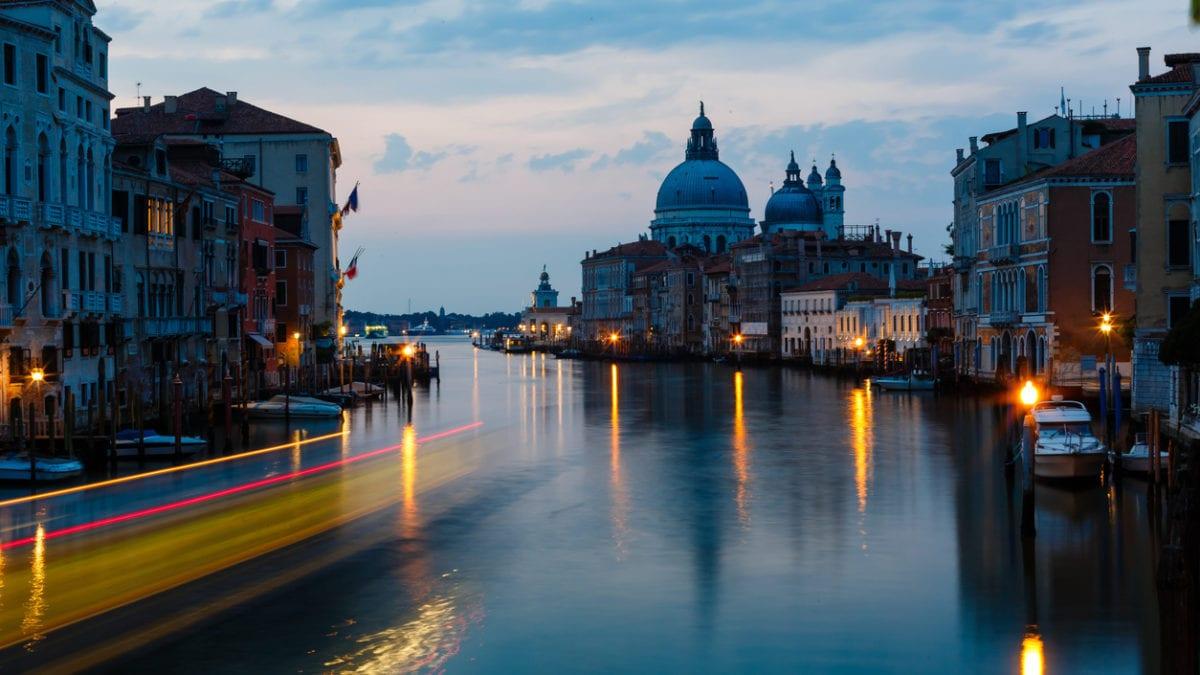 Hier moet je zijn om te shoppen in Venetië
