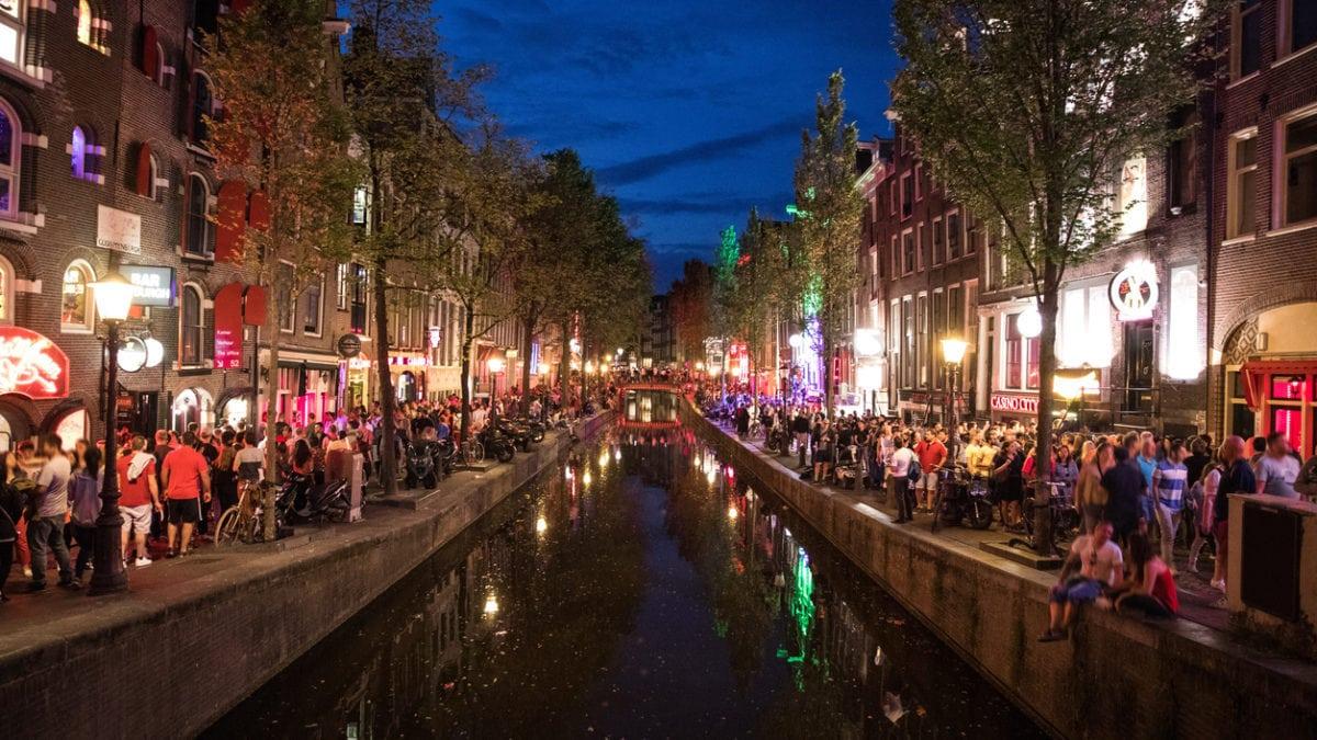 Waar kan ik feesten in Amsterdam