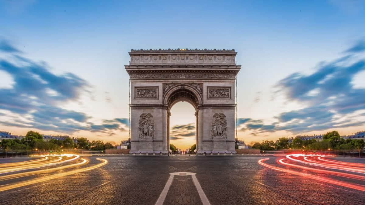 Een bezoekje brengen aan de Arc de Triomphe