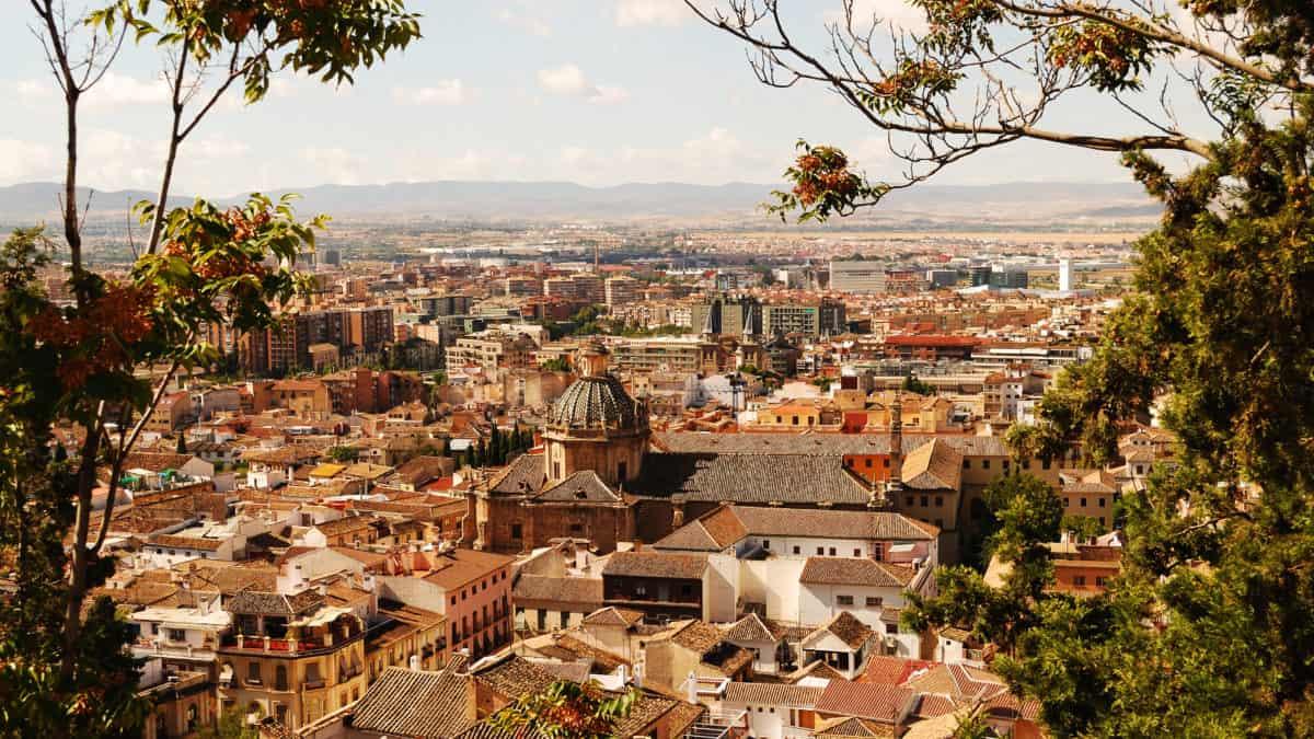 Zo ga je met het openbaar vervoer in Granada